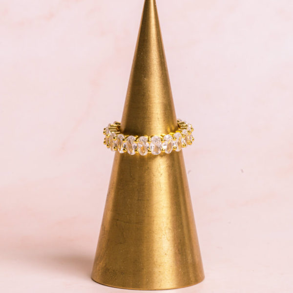 Oval-Cut-Gold-Ring-Hero