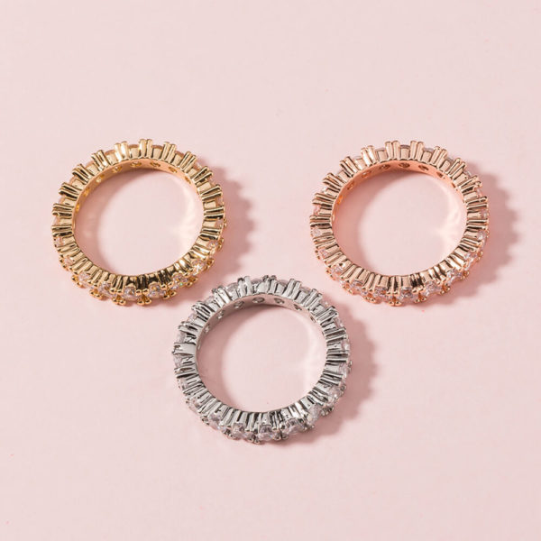 Round-Cut-Gold-Fashion-Examples-4