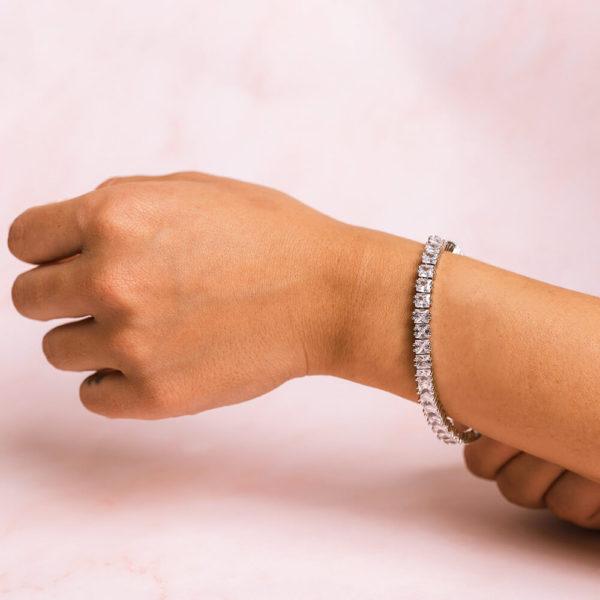 Square Bracelet Model2