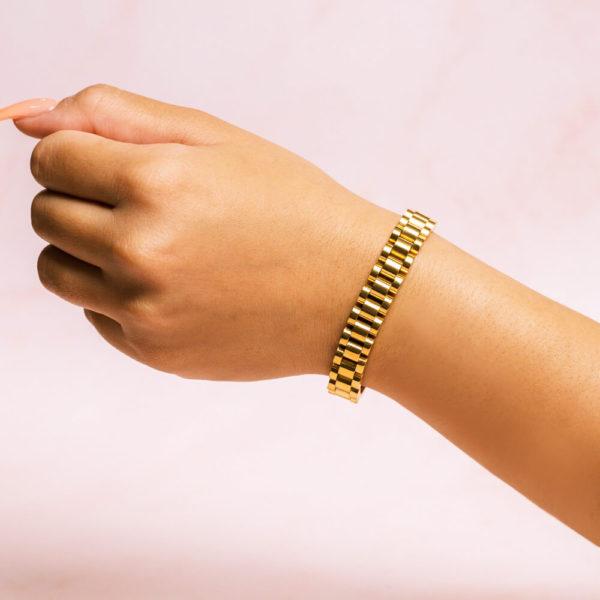 Jubilee Link Gold Bracelet Hand Model