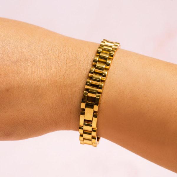 Jubilee Link Gold Bracelet Hand Model Close